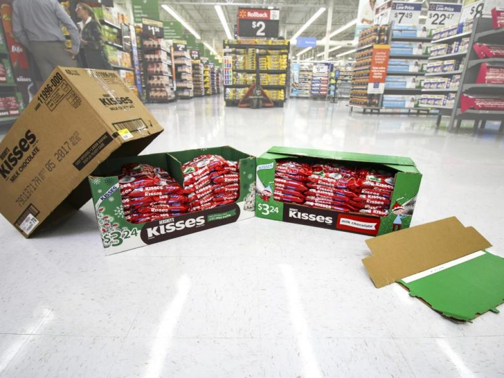 Hershey's new display-ready case reduces corrugated by 32%